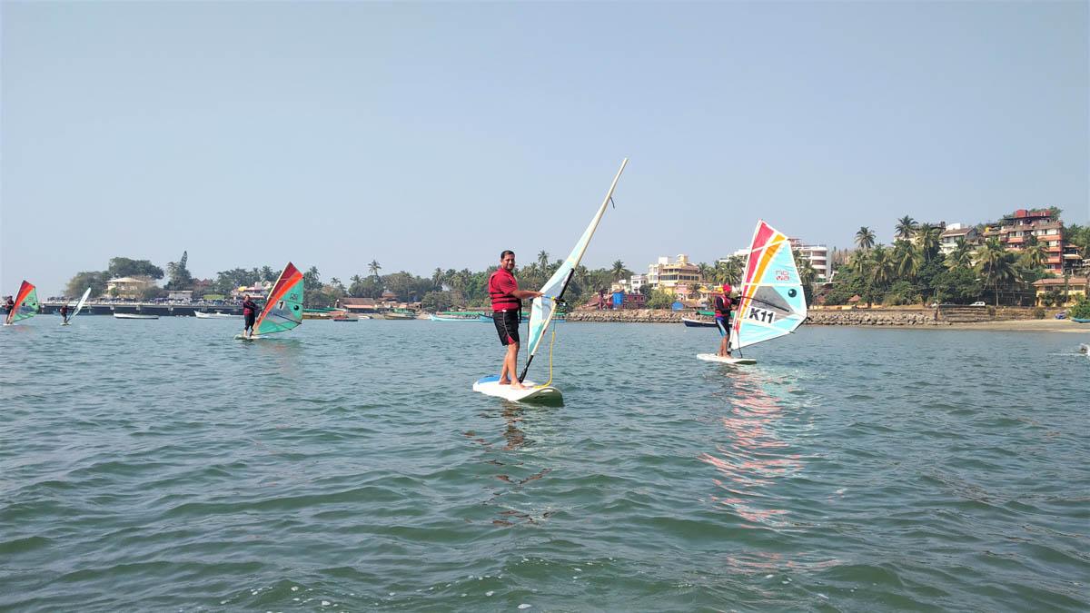 Non-motorised recreation boating – windsurfing